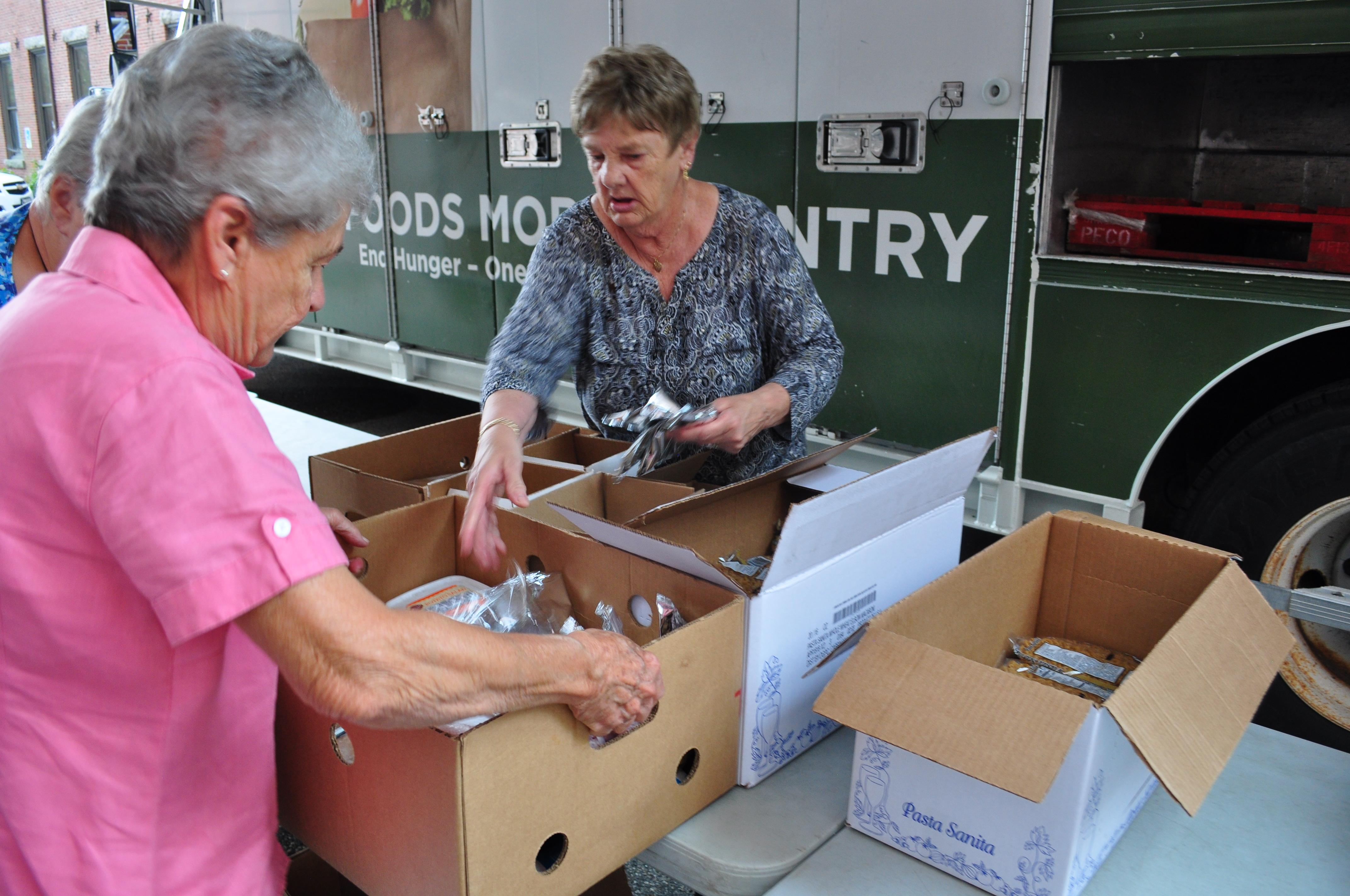 food mobile biddeford stone soup volunteer